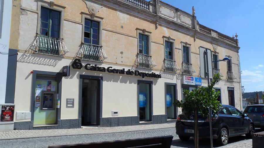 Cgd em m rtola bancos de portugal - Pisos banco caixa geral ...