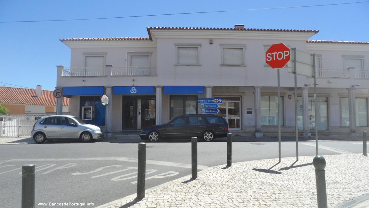 Ag ncia do banco caixa geral de dep sitos em alcabideche - Pisos banco caixa geral ...